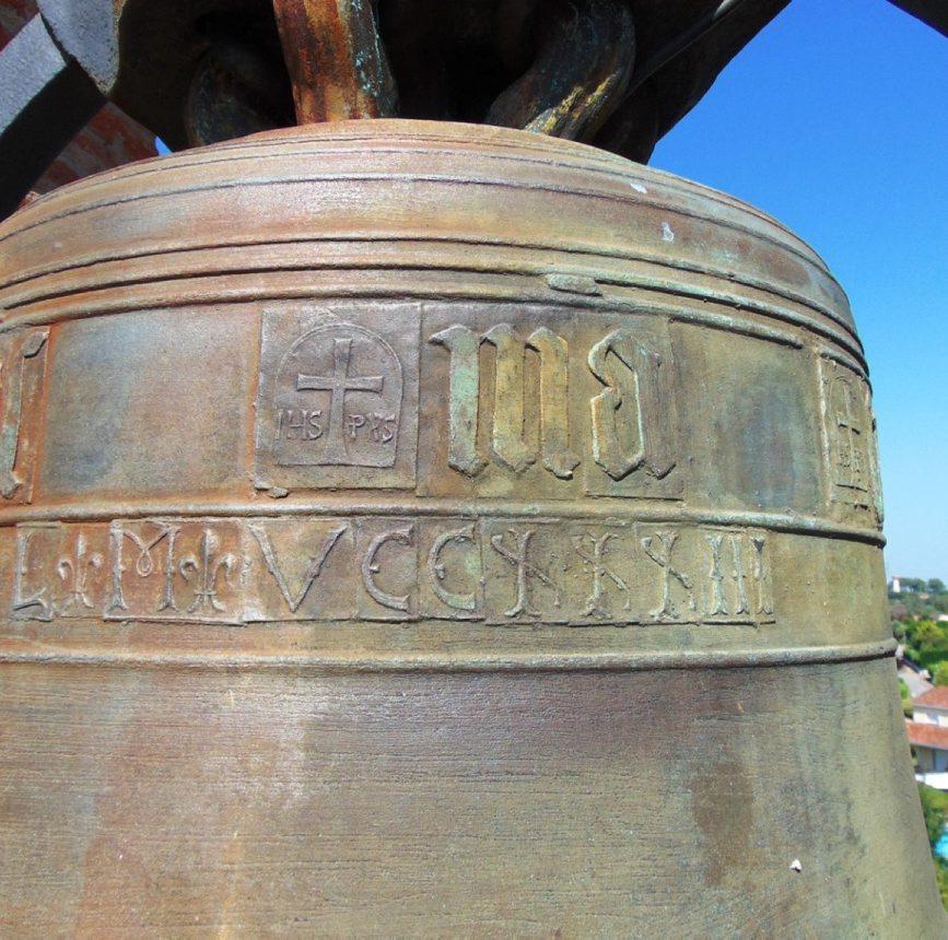 Les cloches de l'église St Jean Baptiste a Saint Pierre de l'Âge